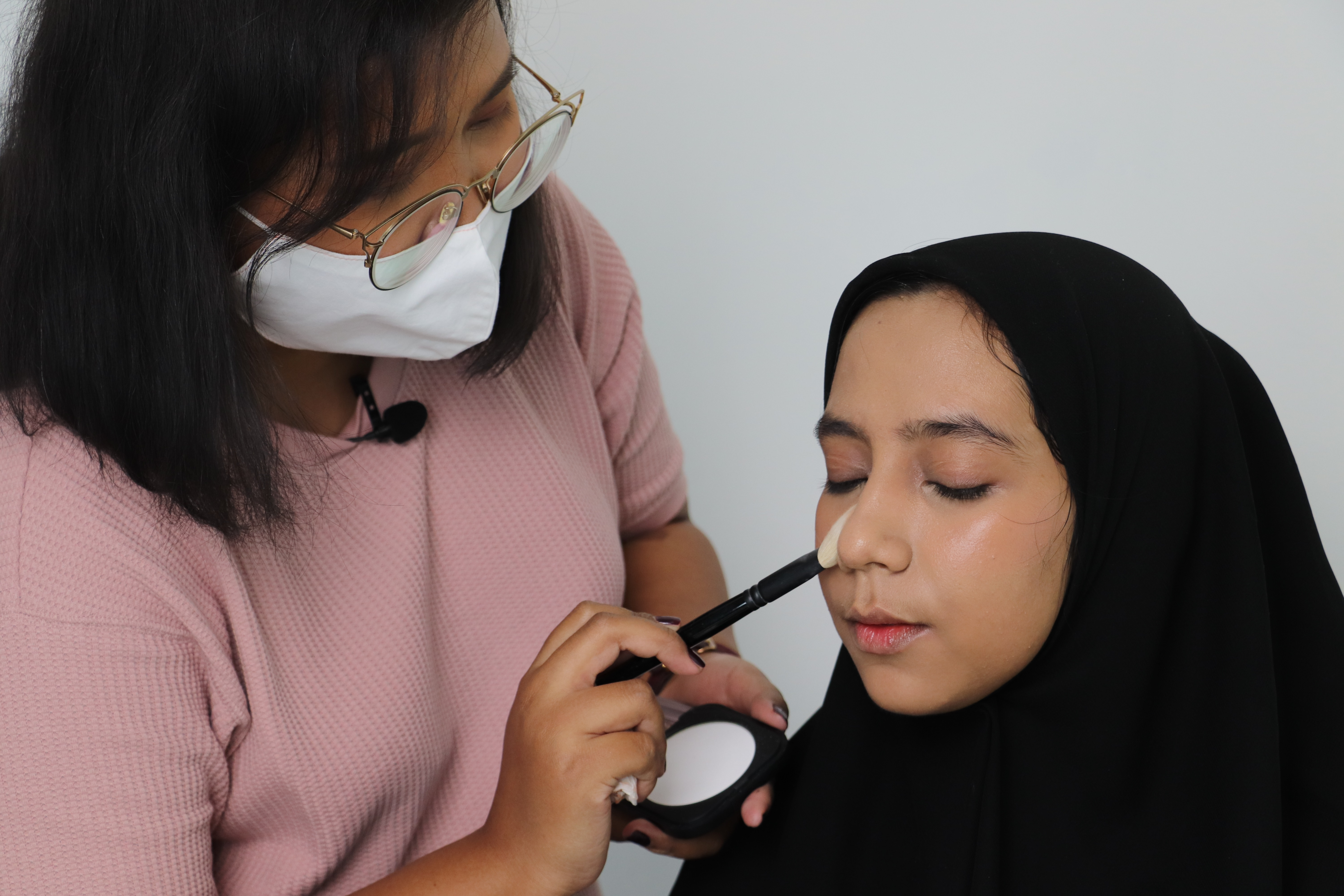 Kcc In Indonesia Holds K Beauty Classes K Theater Performance Korea Net The Official Website Of The Republic Of Korea
